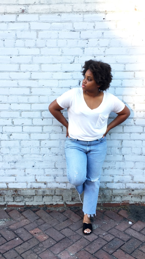 Vintage-Levis-White-Tee-Shirt-Leaning