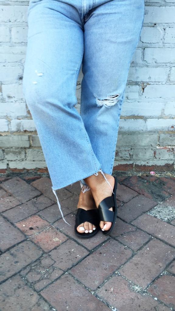 Vintage-Levis-White-Tee-Shirt-Sandals